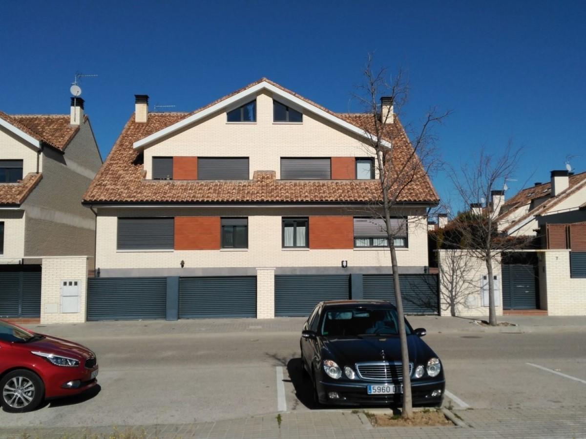 Villanueva de la Cañada-马德里 Colegio Internacional Kolbe学区精装联排别墅
